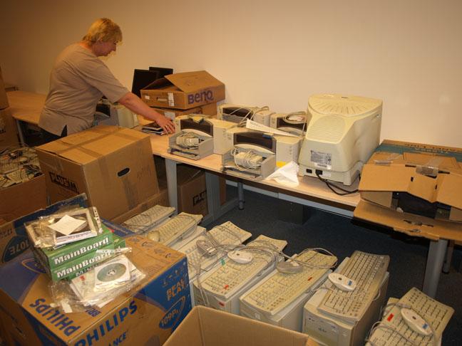pekne pripravené počítače pre detské domovy